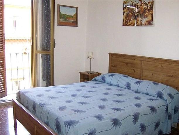 Photo 2 - Angelini Bedrooms B&B Rome