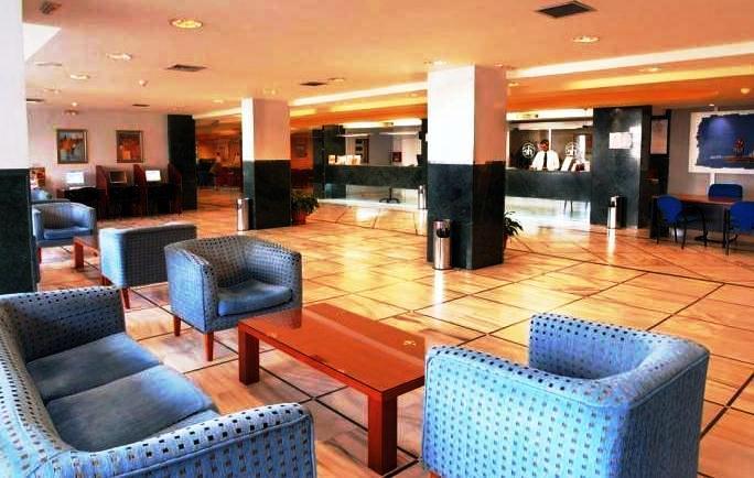 Photo 1 - Hotel & Apartamentos ROC El Pinar