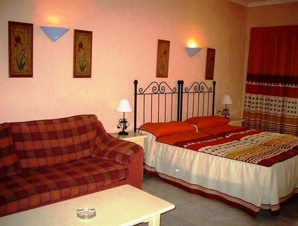 Photo 2 - Hotel & Apartamentos ROC El Pinar