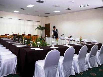 Photo 3 - Oasis Amir Hotel Jakarta