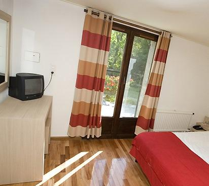 Photo 2 - Paesotel E Caselle Hotel Venaco