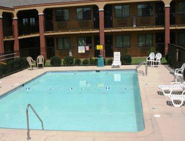 Photo 2 - Knights Inn Tulsa