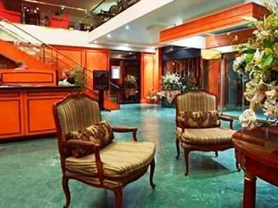 Photo 1 - Le Cantlie Suites Hotel