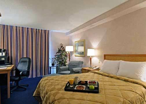 Photo 2 - Clarion Hotel & Suites Winnipeg
