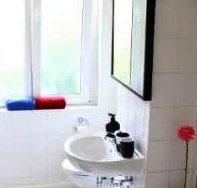 Photo 2 - Two Bedroom-Apartment Invalidenstrae