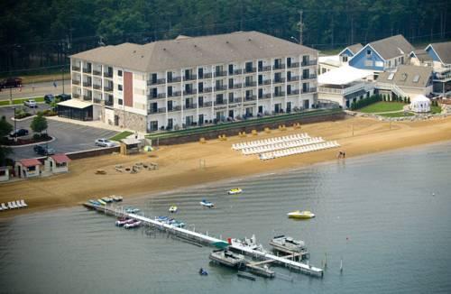 Photo 1 - Parkshore Resort