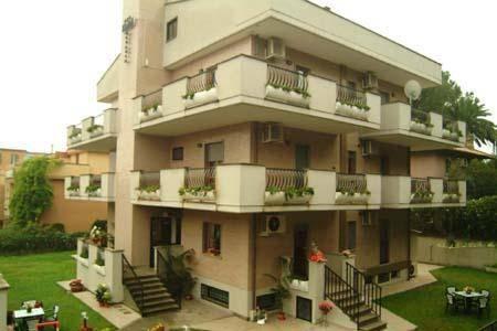 Photo 2 - Hotel Octavia