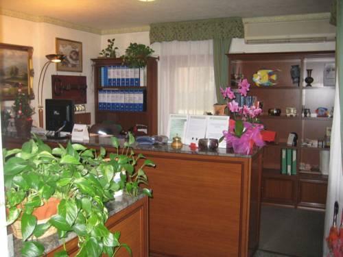 Photo 3 - Hotel Octavia