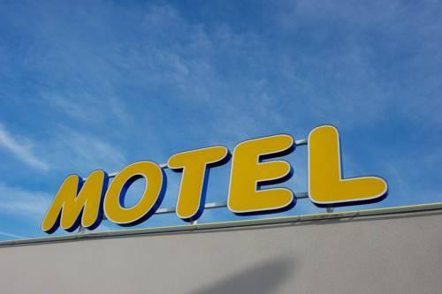 Photo 2 - Ace Motel Athee