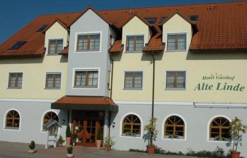 Photo 1 - Hotel Alte Linde