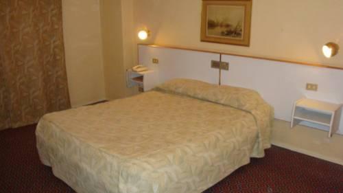 Photo 2 - Delta Hotel Alexandria