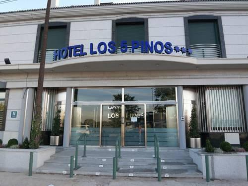 Photo 3 - Hostal Los 5 Pinos