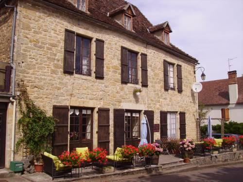 Photo 1 - Le Petit Dragon Rouge Bed & Breakfast Miers