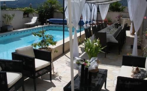 Photo 1 - Hotel L'Oasis Cabrières d'Avignon