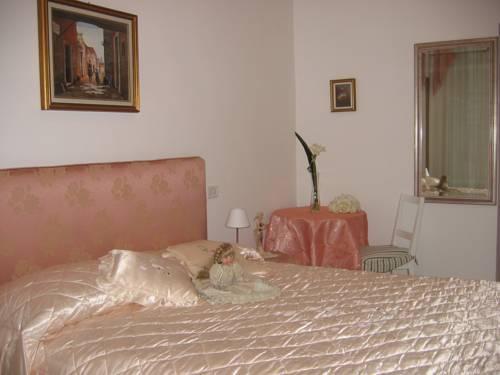 Photo 1 - EmilyHouse Porta Maggiore