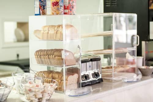Photo 3 - Sunsol Boutique