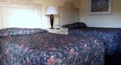 Photo 3 - Sun Inn and Suites Kissimmee