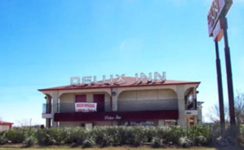 Photo 3 - Delux Inn San Antonio