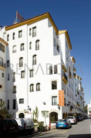 Photo 2 - Benabola Hotel & Suites