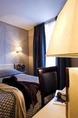 Photo 3 - Hotel Renoir Paris