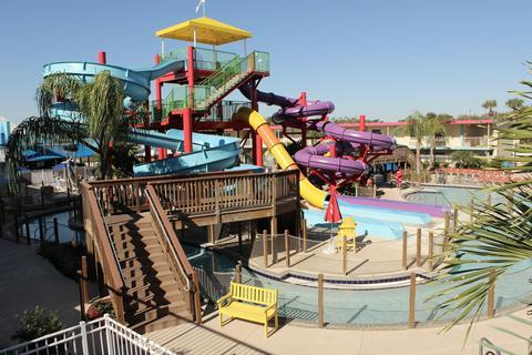 Photo 3 - Flamingo Waterpark Resort