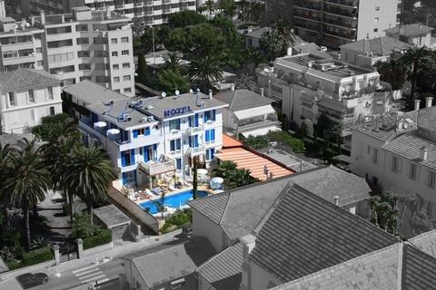 Photo 1 - Hotel Juan Beach