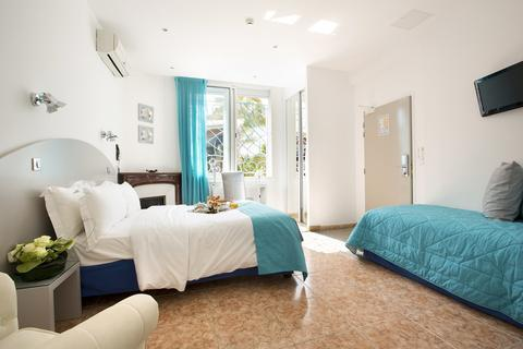 Photo 3 - Hotel Juan Beach