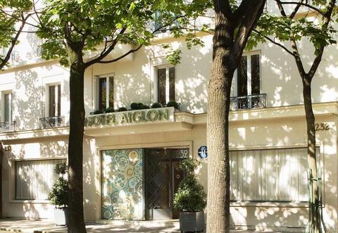 Photo 1 - Aiglon Hotel