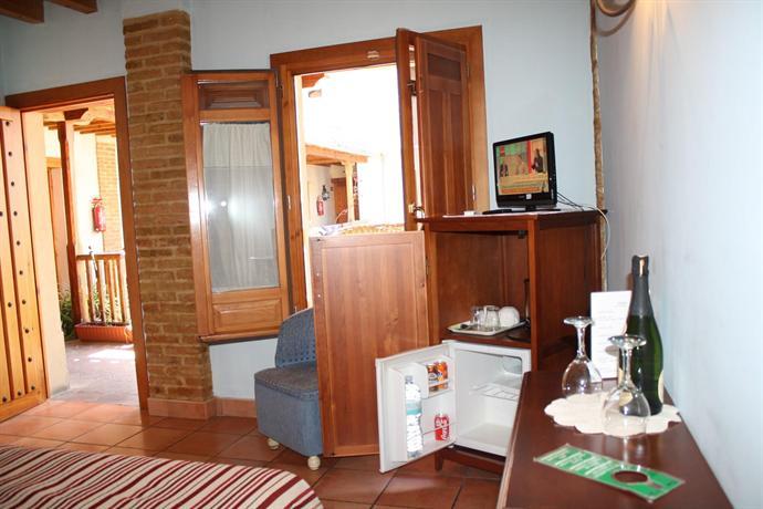 Photo 3 - Abadia Hotel Granada Centro