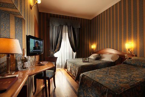 Photo 1 - Hotel Solis