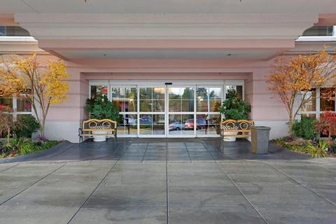 Photo 3 - Coast Gateway Hotel SeaTac