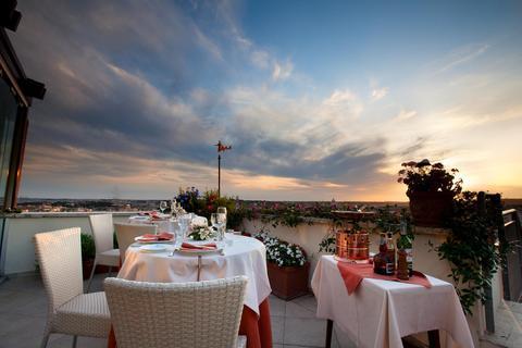 Photo 3 - Bettoja Hotel Mediterraneo Rome