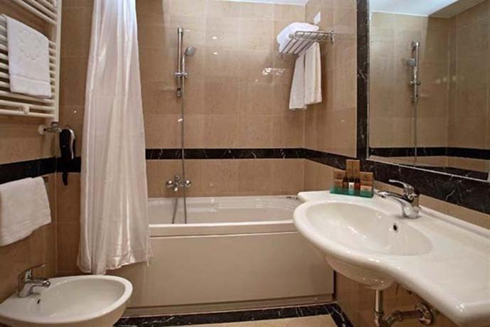 Photo 3 - Boutique Hotel Trevi