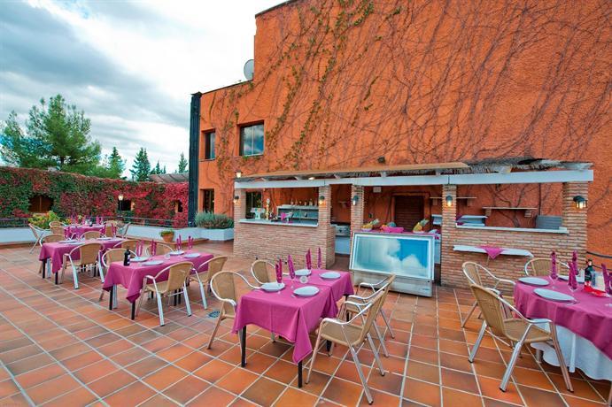 Photo 3 - Hotel Alixares
