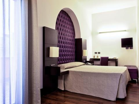 Photo 2 - Hotel Caprice