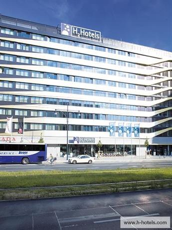 Photo 3 - H2 Hotel Berlin Alexanderplatz