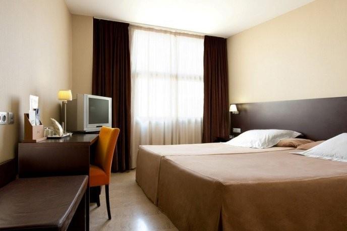 Photo 2 - Hotel Serhs del Port