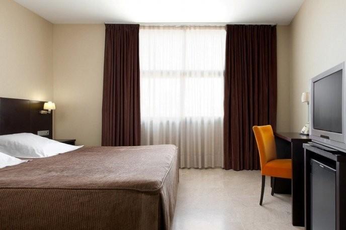 Photo 3 - Hotel Serhs del Port