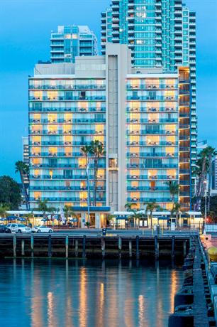 Photo 2 - Wyndham San Diego Bayside
