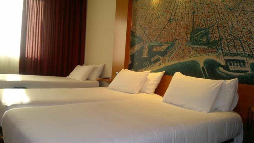 Photo 2 - Abba Sants Hotel