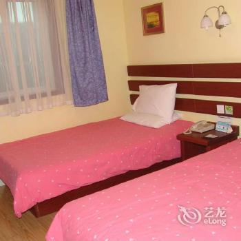 Photo 2 - Home Inn Hong Kong Road Middle Qingdao