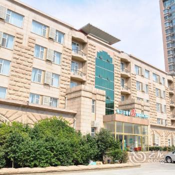 Photo 1 - Jinjiang Inn Qingdao Haier Road