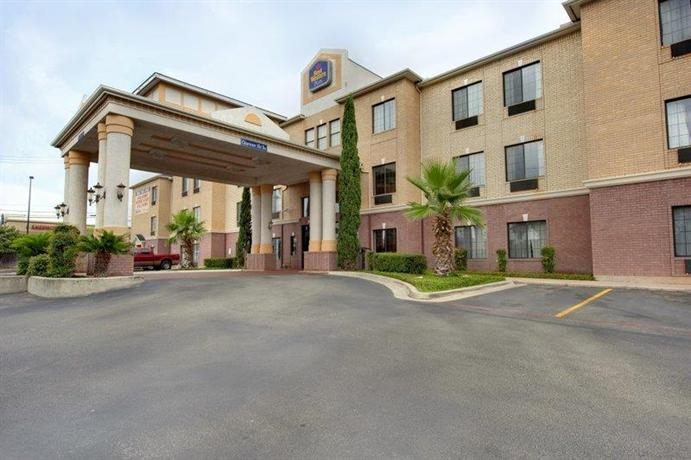 Photo 2 - Best Western Plus Hill Country Suites