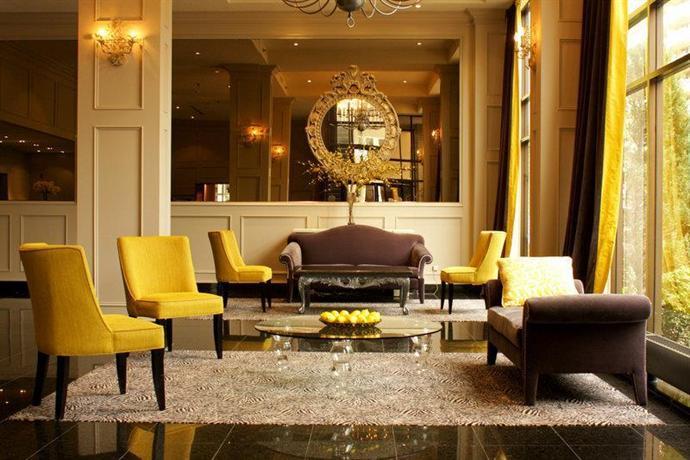 Photo 1 - BEST WESTERN Roehampton Hotel & Suites