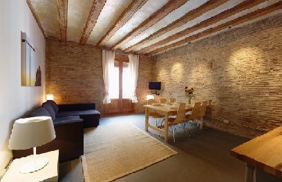 Photo 3 - Cosmopolitan Apartments