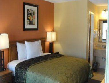 Photo 1 - Knights Inn Arlington (Texas)