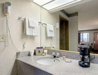 Photo 1 - Super 8 Motel Seguin