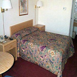 Photo 1 - University Inn Fresno (California)