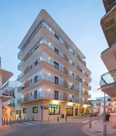 Photo 1 - Alicante Hostal Ibiza