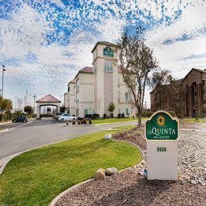 Photo 3 - La Quinta Inn & Suites Bakersfield